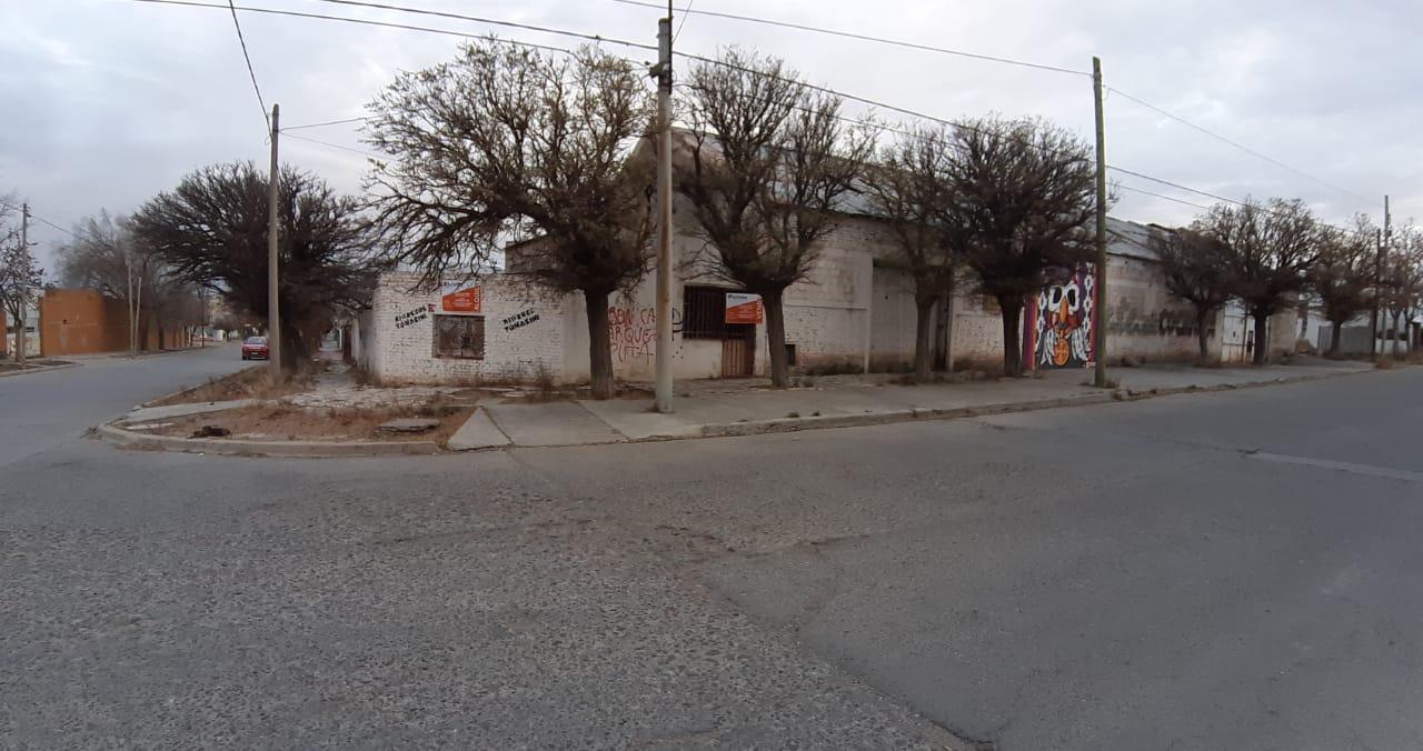 GALPON / DEPOSITO – CALLE BROWN Y ELENA DE LA VEGA
